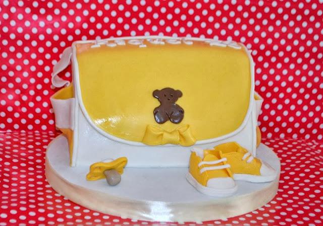 Tarta Bolsso Cambiador Bebe Tous sugar dreams Gandia zapatito converse chupete diaper bag cake