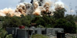 Líbia: OTAN BOMBARDEIA DUAS CIDADES E RESIDÊNCIA DE KADHAFI EM TRÍPOLI