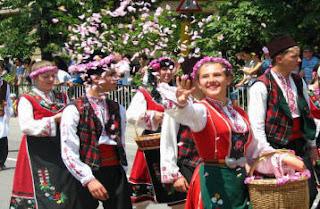 Merayakan Mawar Emas di Bulgaria 3