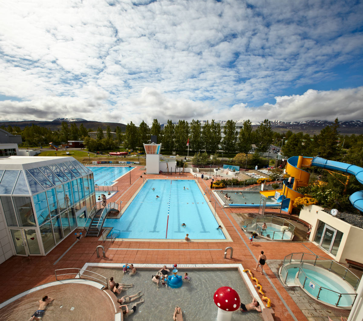 Las 4 mejores piscinas al aire libre de islandia for Mejores piscinas