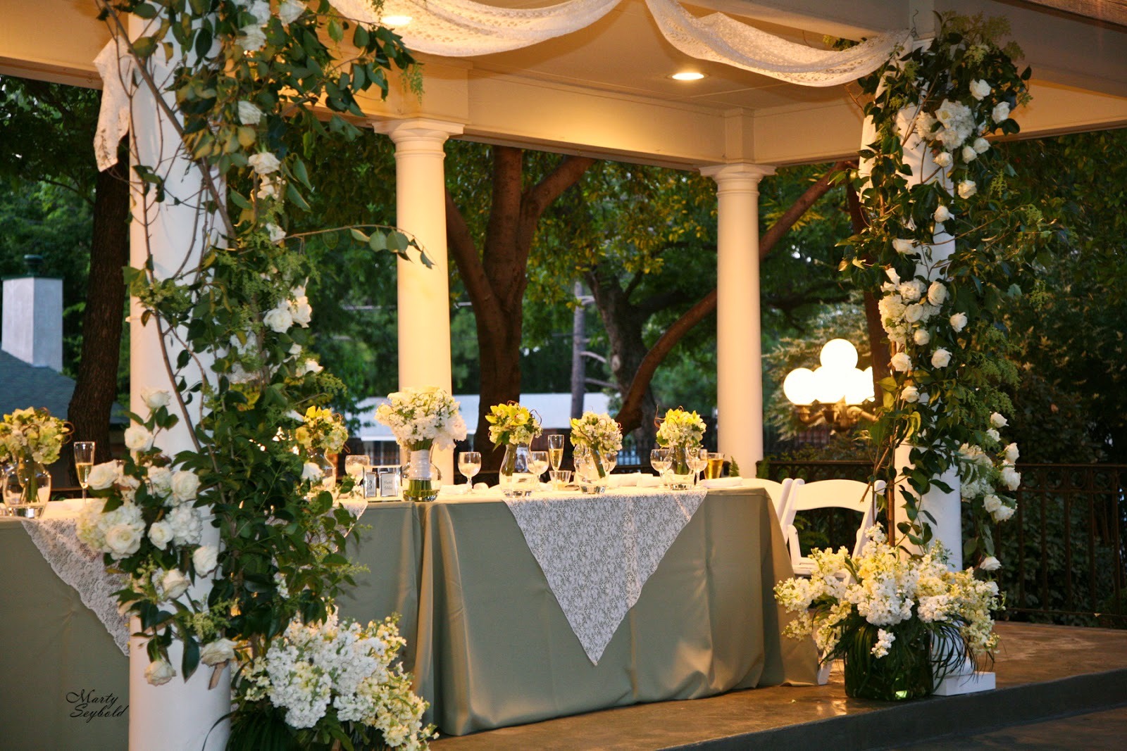 The Blooming Bride, DFW, Fort Worth, Texas, Wedding Flowers, Sanford House, wedding table, tall