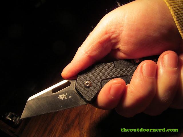 Sanrenmu GB-T11 Pocket Knife - held in hand