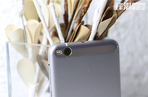 HTC-One-X9-Leake-Photo-mobile