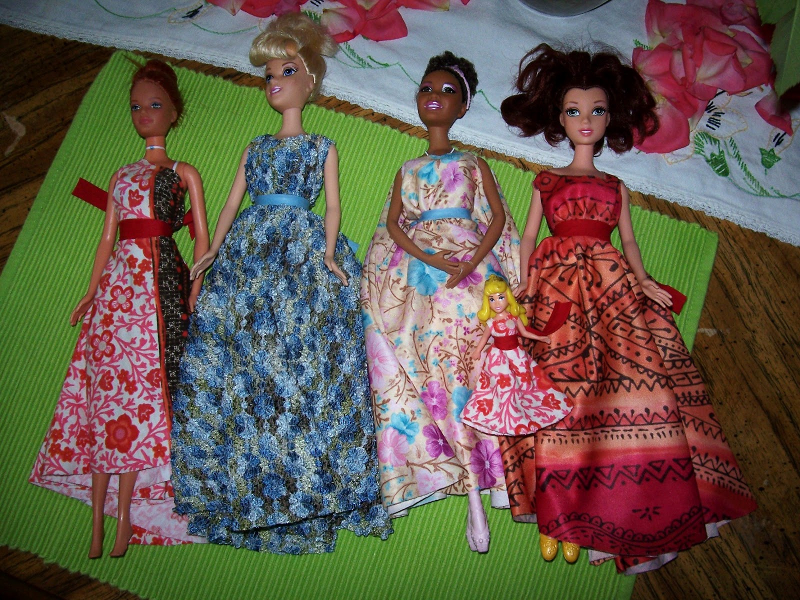 Barbie sew free fashions 99