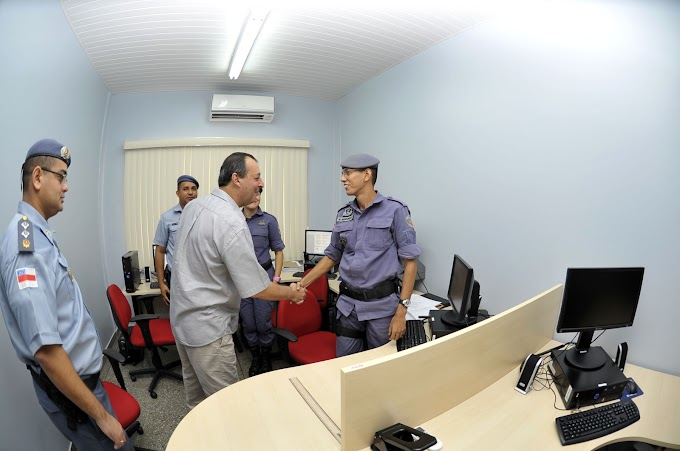 Governador Omar Aziz confere funcionamento dos novos DIPs antes do lançamento do Ronda no Bairro na zona leste