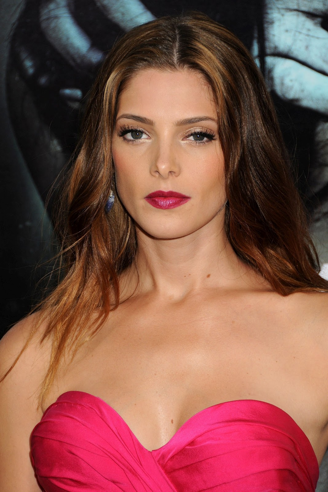 http://3.bp.blogspot.com/-rS5ll50isf4/UDi3u0atG4I/AAAAAAAAisU/qBTXkYxax70/s1600/Ashley-Greene_6.jpg
