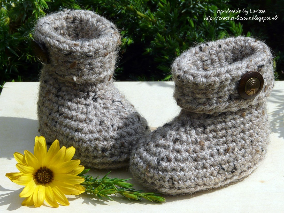Crochet Cuffed Baby Booties Pattern : Crochet-licious: Cuffed baby booties