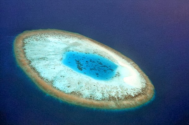 Island that Looks like an Eye - Maldives