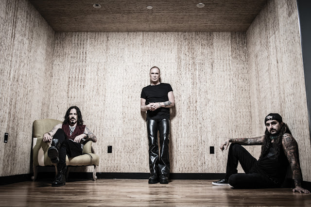 https://www.ticketmaster.es/es/entradas-musica/the-winery-dogs/630/
