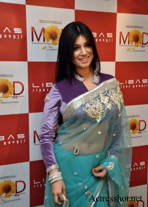 bollywood actress ayesha takia new sexy photos in