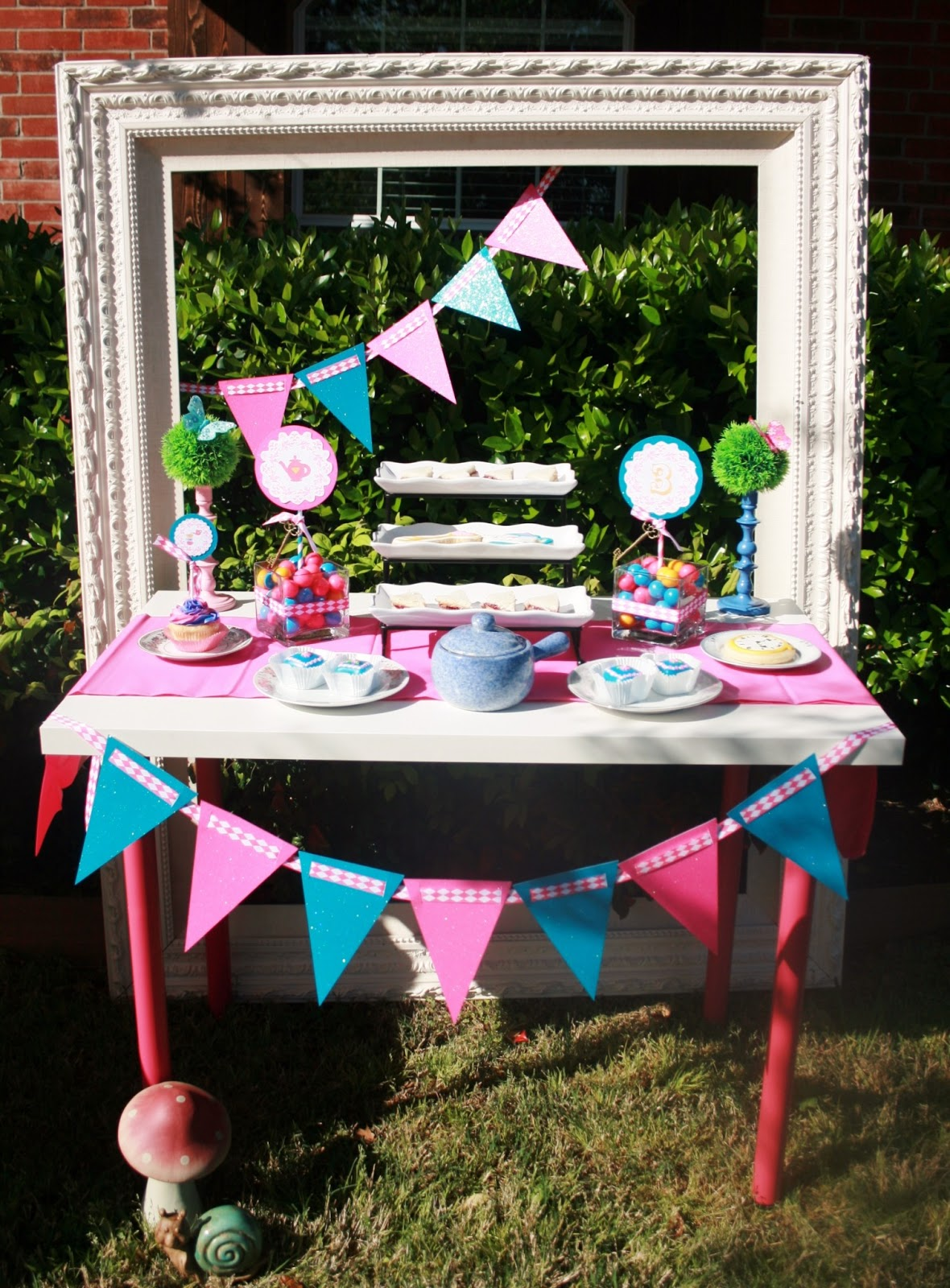 Creative designs by toni styled shoot mad hatter - Mad hatter tea party decoration ideas ...