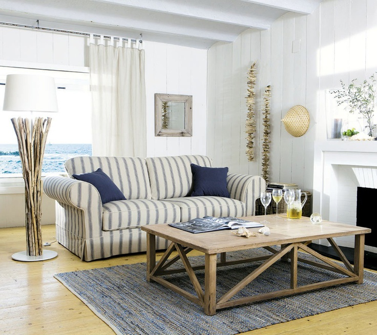 Coastal Style: Living Room Styling Tips