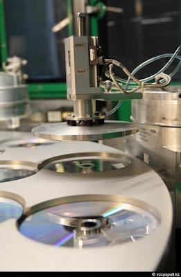 Proses Pembuatan Kepingan DVD
