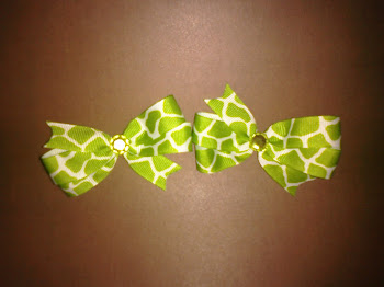 Green Giraffe Hairbow Set