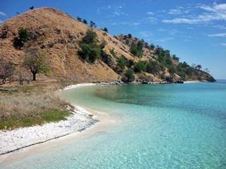 7 Pulau Misterius Di Indonesia