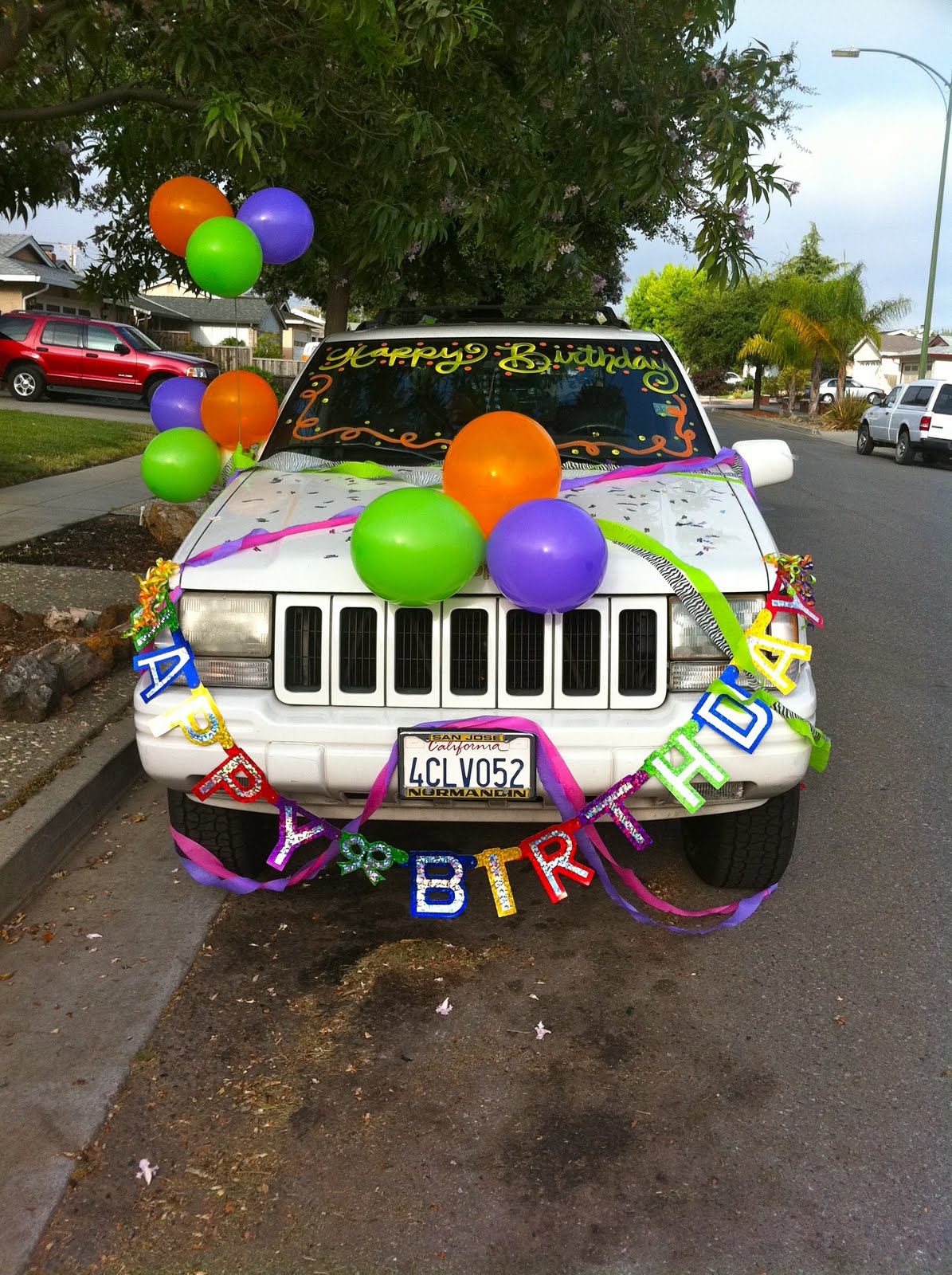 love my cousins for decorating my car last night!