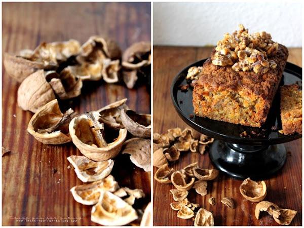 Veganer Karottenkuchen mit karamellisierten Walnüssen - Osterbacken 2.0