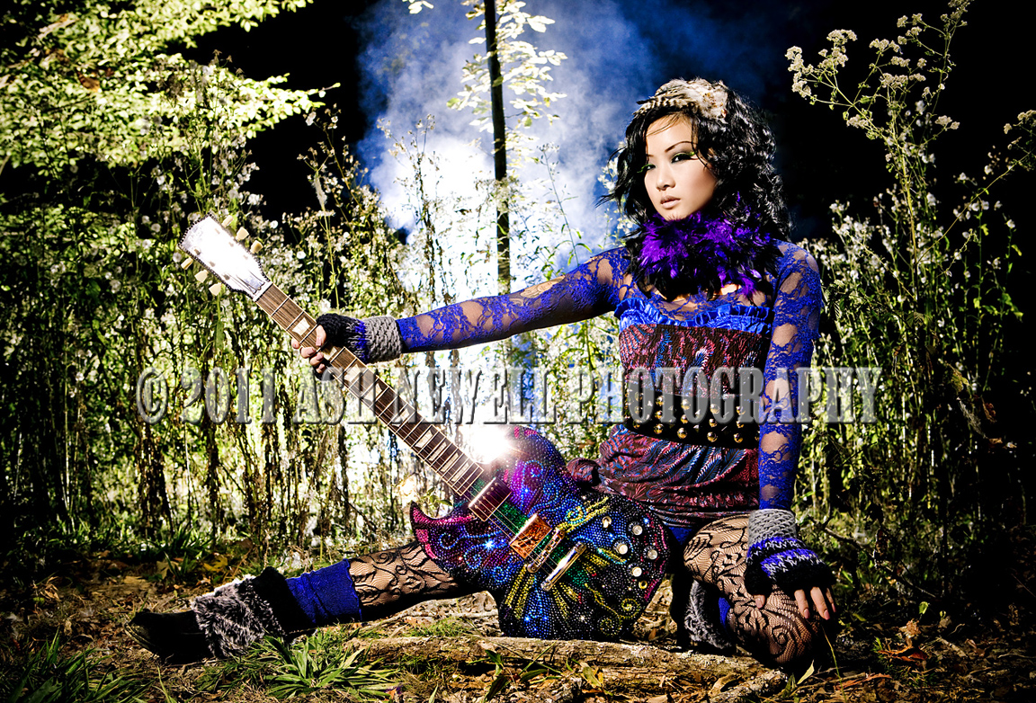 http://3.bp.blogspot.com/-rTFyCo3-Cso/Tfk18y4XBlI/AAAAAAAAACw/xzp_vi4roGo/s1600/Lesley+Mortimer+Custom+Butterfly+Guitar+75+%25C2%25A9+Ash+Newell.jpg