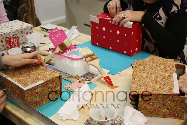 Taller Cartonnage con Ada en sweet sixteen craft store