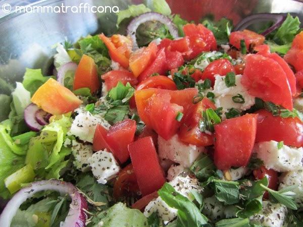 greek salad Koriatiki salada