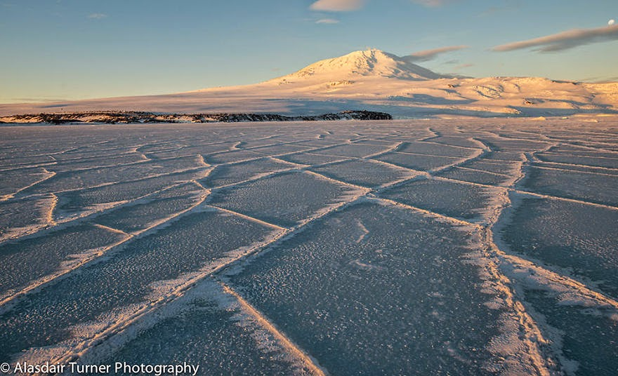11. Cracks Form Along The Sea Ice Of Mcmurdo Sound, The Ross Sea, Antarctica - 18 Beautiful Frozen Lakes, Oceans And Ponds That Resemble Fine Art