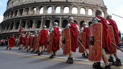 http://img.welt.de/img/kultur/crop136477230/672940343-ci16x9-w780/Historischer-Festumzug-feiert-die-Gruendung-des-antiken-Roms-2-.jpg