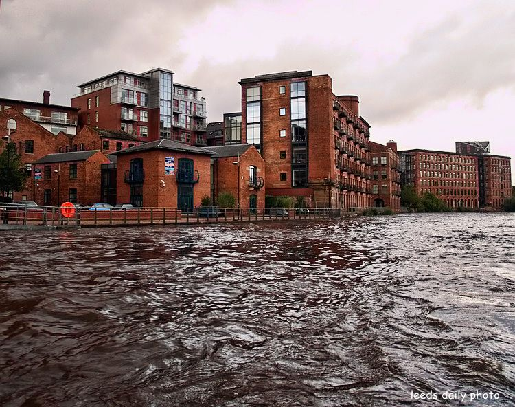 River Aire Level Leeds