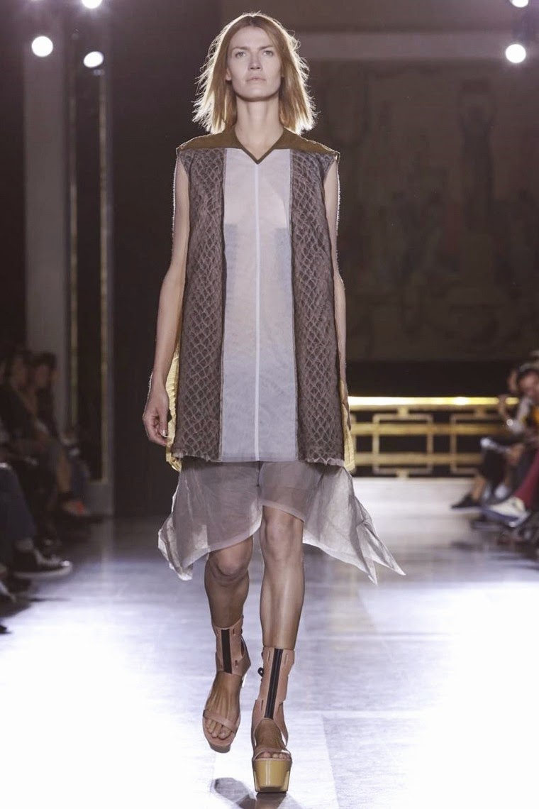 Rick Owens spring summer 2015, Rick Owens ss15, Rick Owens, Rick Owens ss15 pfw, Rick Owens pfw, pfw, pfw ss15, pfw2014, fashion week, paris fashion week, du dessin aux podiums, dudessinauxpodiums, vintage look, dress to impress, dress for less, boho, unique vintage, alloy clothing, venus clothing, la moda, spring trends, tendance, tendance de mode, blog de mode, fashion blog,  blog mode, mode paris, paris mode, fashion news, designer, fashion designer, moda in pelle, ross dress for less, fashion magazines, fashion blogs, mode a toi, revista de moda, vintage, vintage definition, vintage retro, top fashion, suits online, blog de moda, blog moda, ropa, asos dresses, blogs de moda, dresses, tunique femme,  vetements femmes, fashion tops, womens fashions, vetement tendance, fashion dresses, ladies clothes, robes de soiree, robe bustier, robe sexy, sexy dress