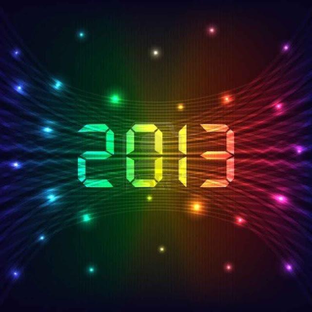 Fondo de pantalla 2013 con muchos colores y numeros como de reloj