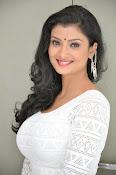 Ishitha Vyas sizzling pics-thumbnail-9