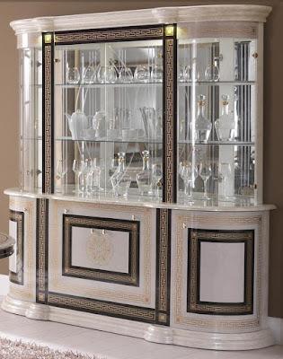 model lemari hias kaca