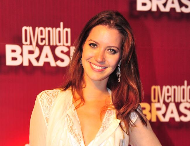 ... cor do cabelo da Débora ( Nathalia Dill) na novela Avenida Brasil