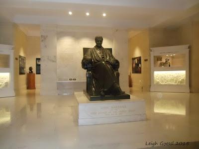 John Marshall statue at the Supreme Court