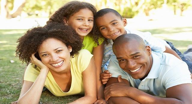 Top 10 Versículos Bíblicos Sobre A Família