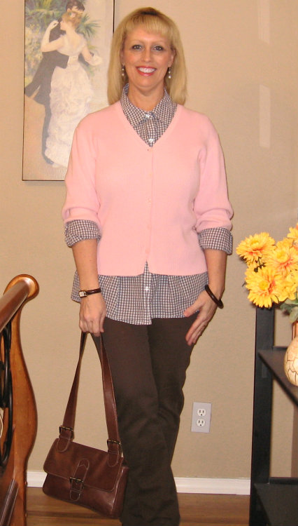 brown jeans with pink