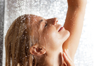 4 Beauty Mistakes You're Making in the Shower Feature