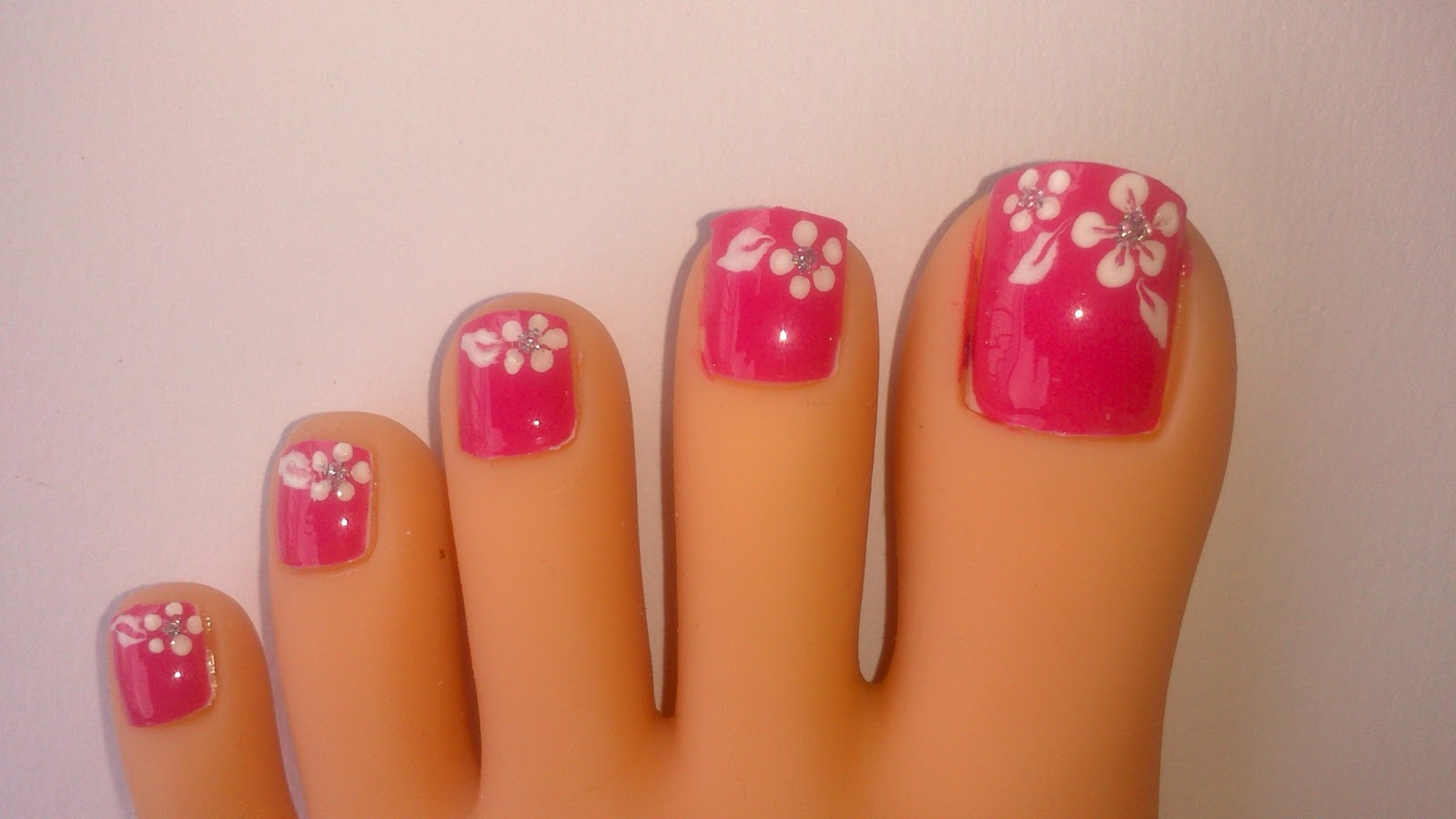 "Lnetsa 's nailart: Toe nail design + short nails version ""Pink with ..."