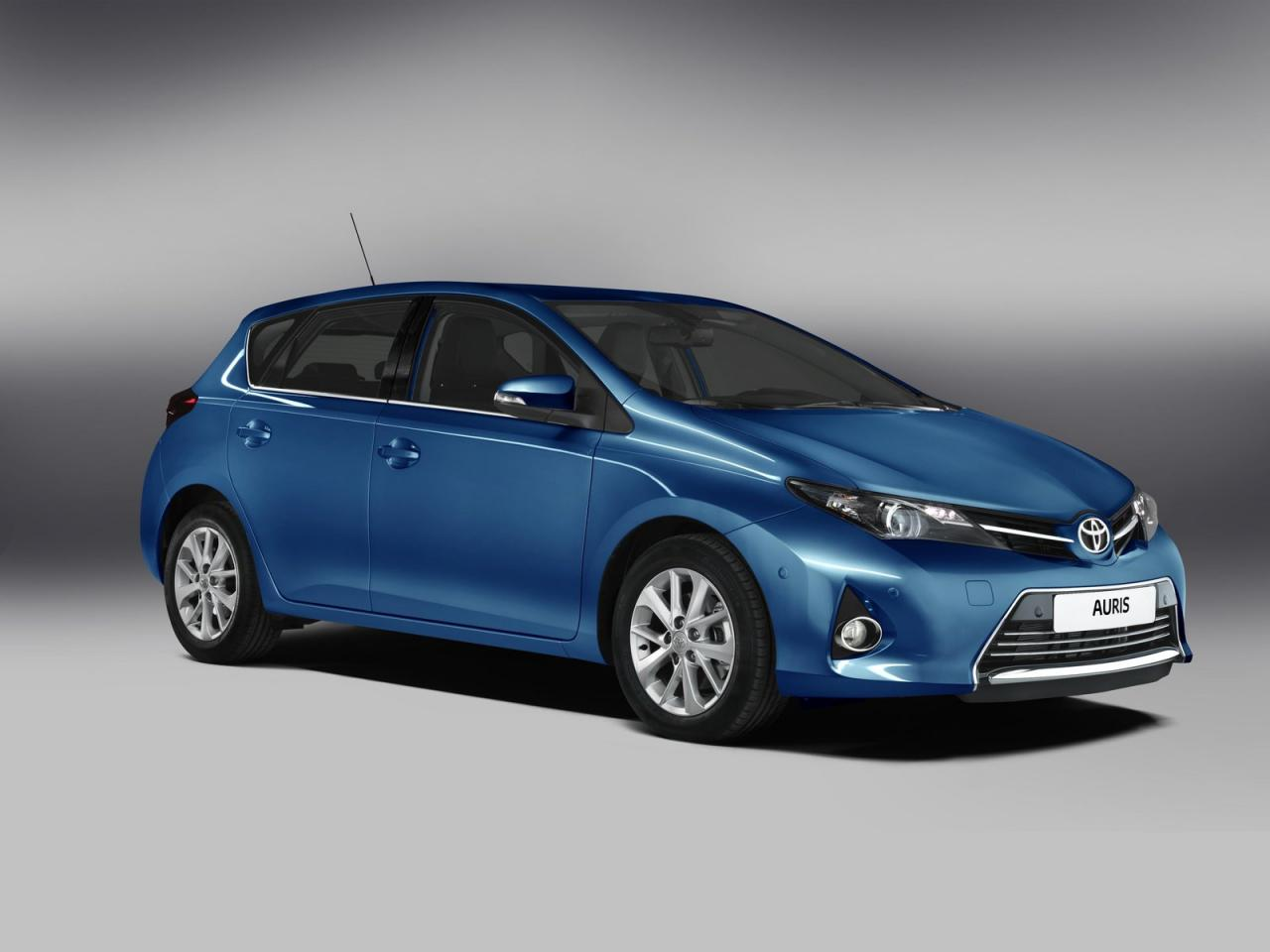 [Resim: Toyota+Auris+1.jpg]