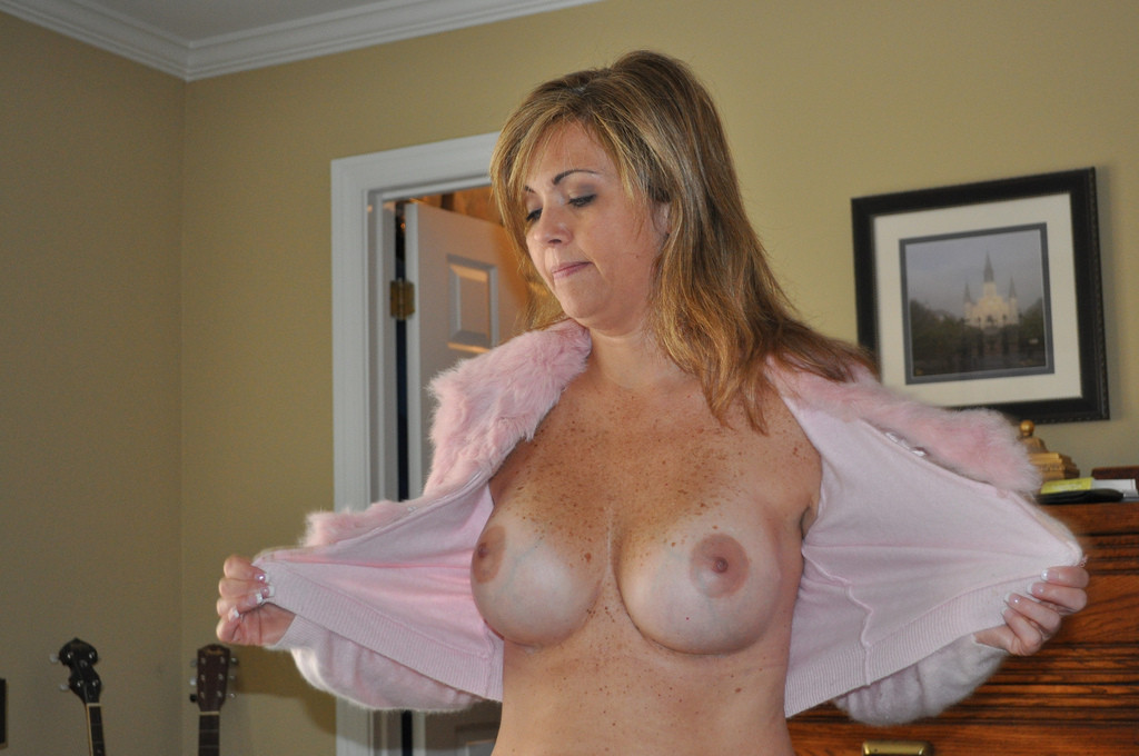 Plus Milf Hot Amateur Cougar Posing
