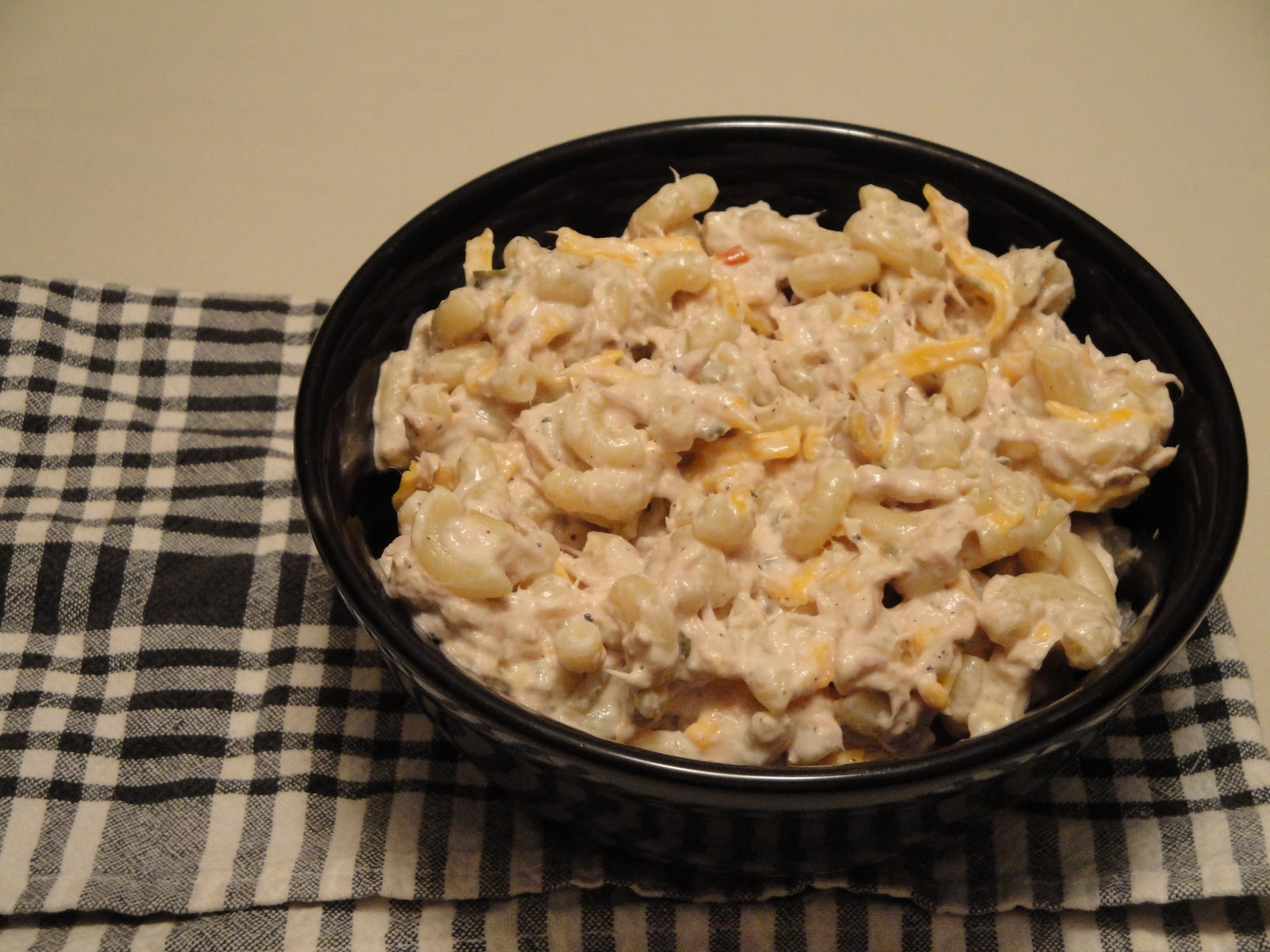Christine 39 s pantry tuna macaroni salad for Macaroni salad with tuna fish