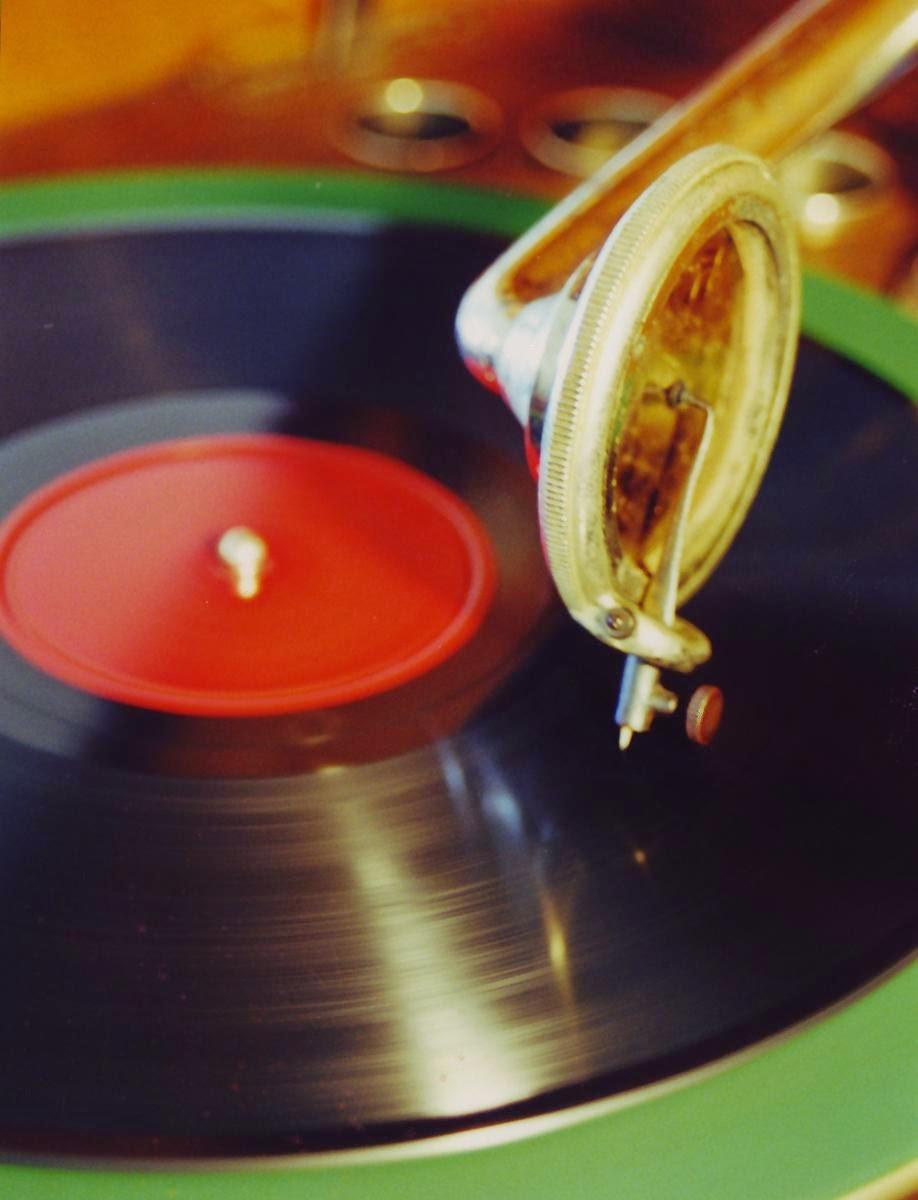 pikap, gramafon, plak, taş plak, plaklar, eski plak kayıtları, müzik, safiye ayla