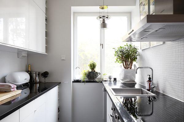 our very first apartment Inspiracje  biała kuchnia
