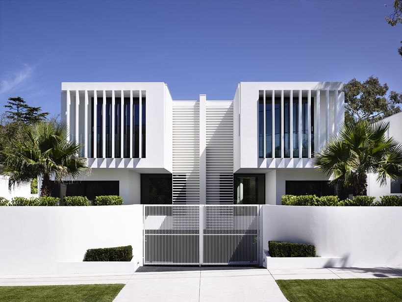 World of architecture perfect modern townhouse by martin for Style architectural moderne