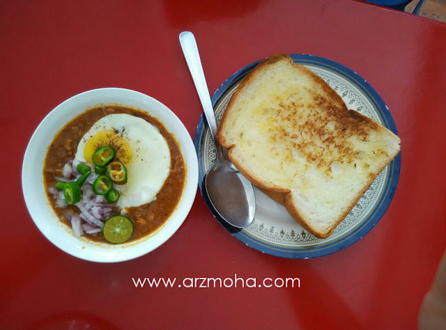 roti bakar kacang phool penang, kacang phool, terbaik di penang, sarapan best di pulau pinang, makanan sedap di pulau pinang,