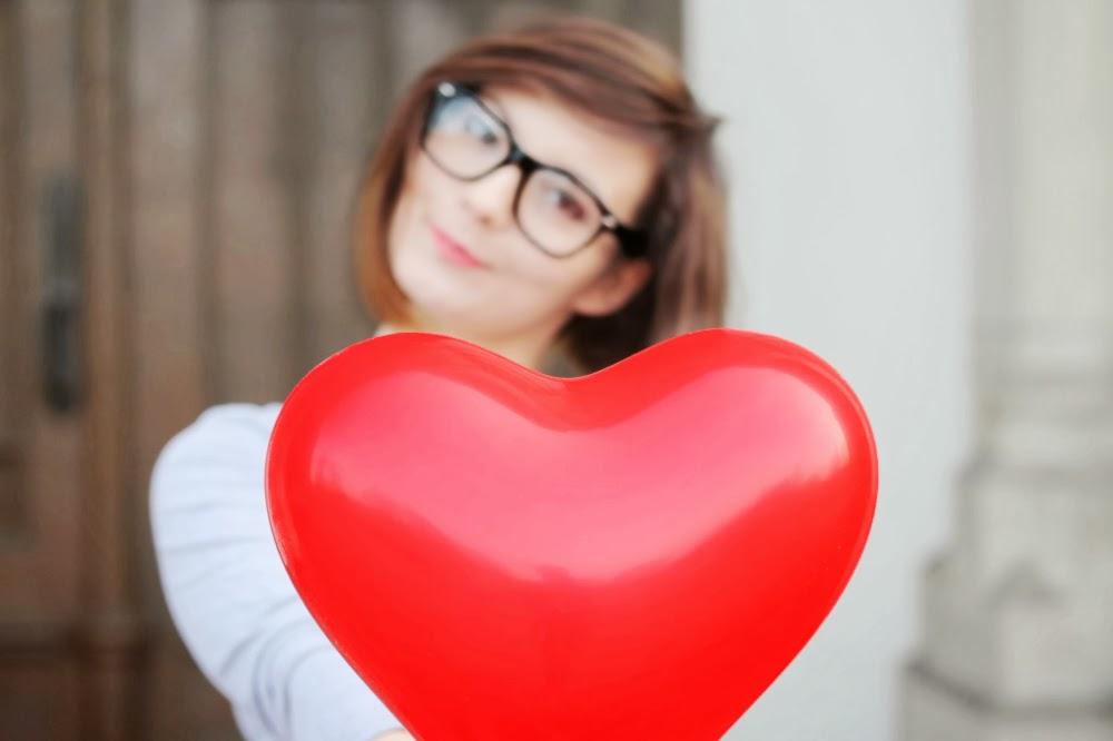 OOTD #26 Walentynki. Serce i rozum. Czarna ołówkowa spódnica