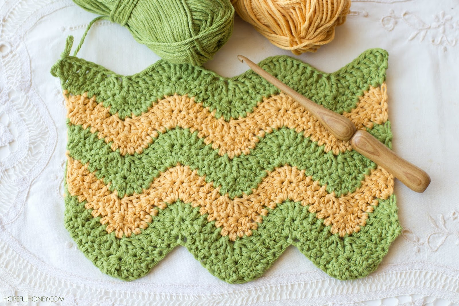 How To: Crochet The Ripple (chevron) Stitch  Easy Tutorial