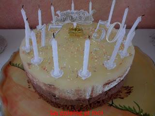 http://la-cuisine-et-moi.blogspot.fr/2013/06/bavarois-poire-sur-fondant-au-chocolat.html