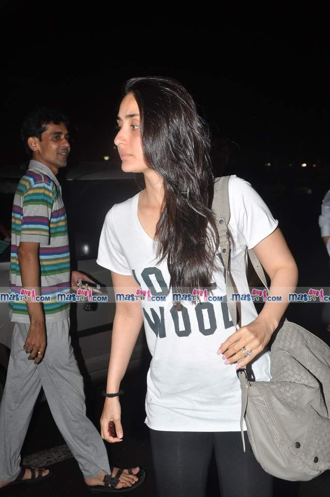 Kareena snapped at International airport
