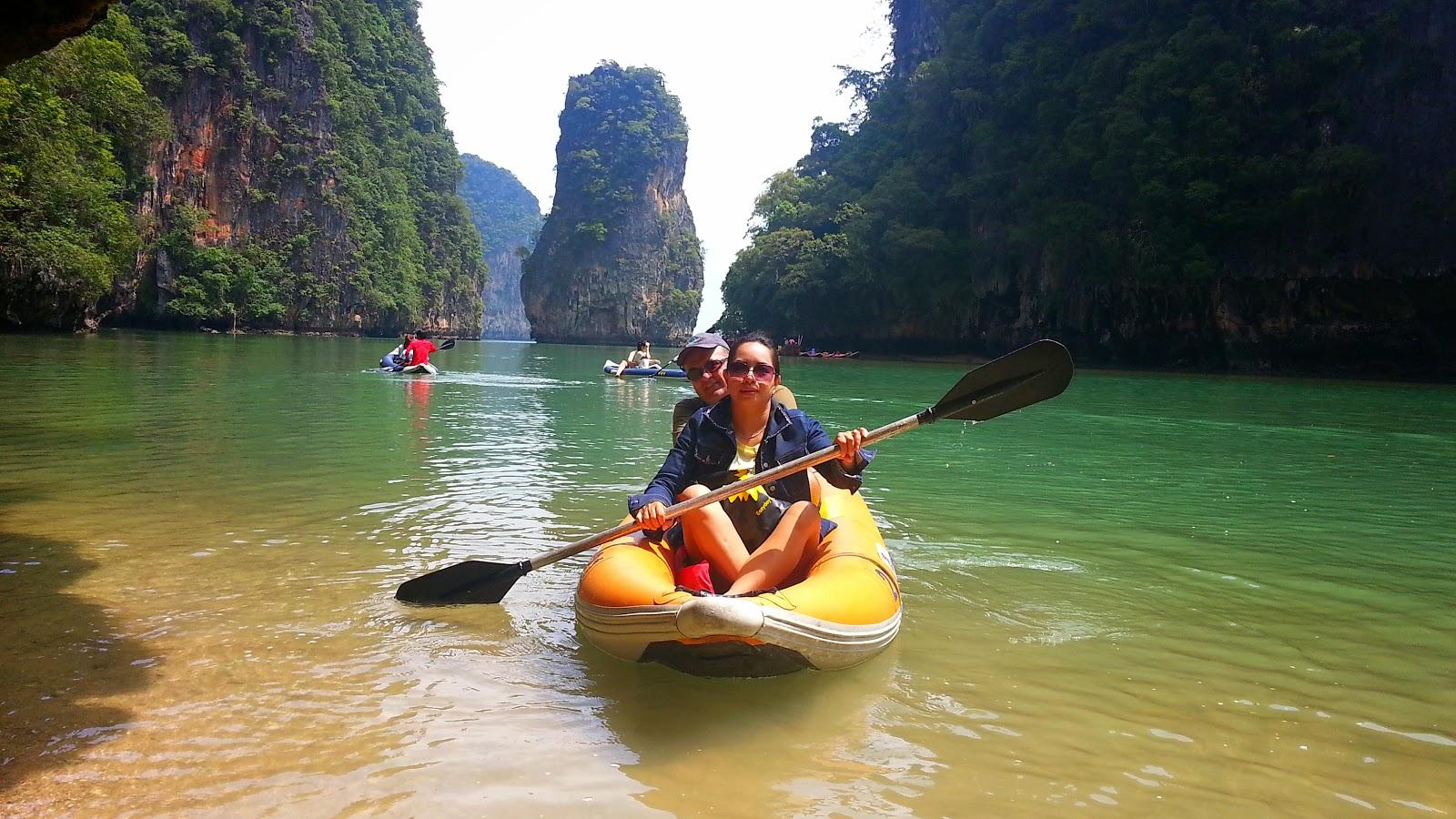 Sea canoe at James Bond island