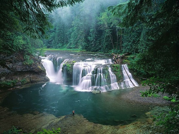 Lower Lewis River Falls in the Gifford Pinchot National Forest